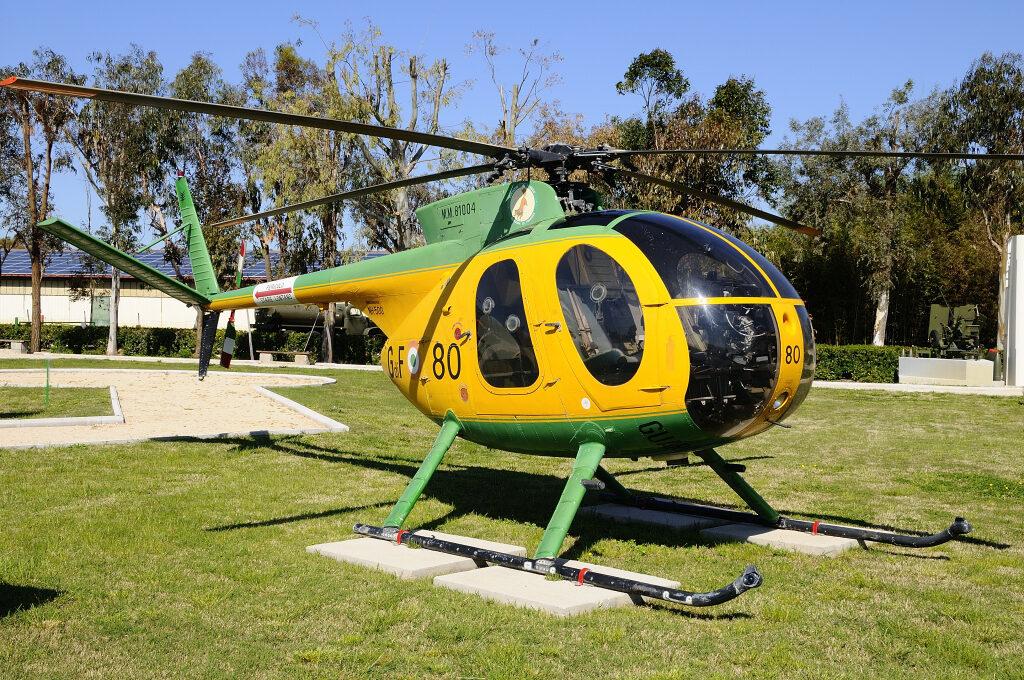 Nardi Hughes NH-500MC MM 81004 esposto a Piana delle Orme.