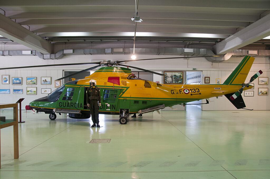 Agusta A 109A II Volpe 133  costruito nel1988 e ritirato nel 2009 con 3040,10 ore di volo. E' esposto dal 2010.