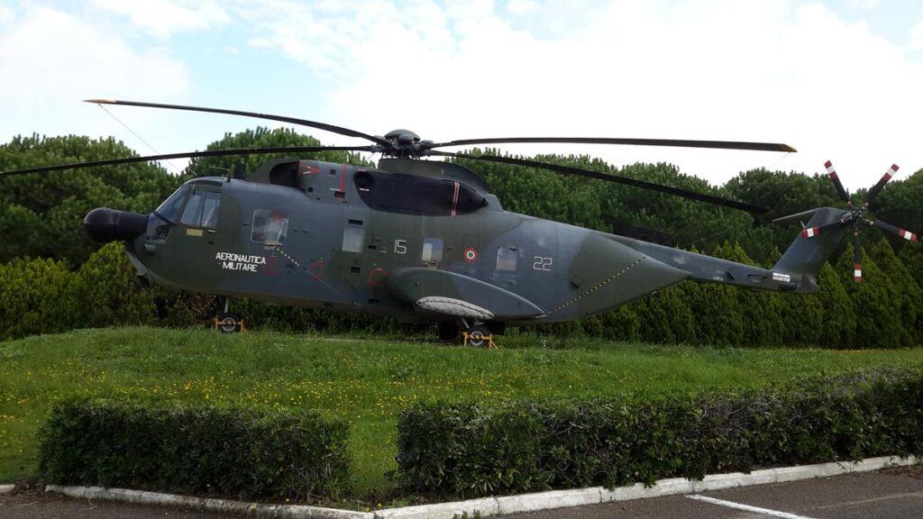 Entrato in servizio nel lontano ottobre 1980, è stato radiato il 22 novembre 2007 dopo 6781 ore di volo. E' esposto davanti il Circolo Ufficiali della base.