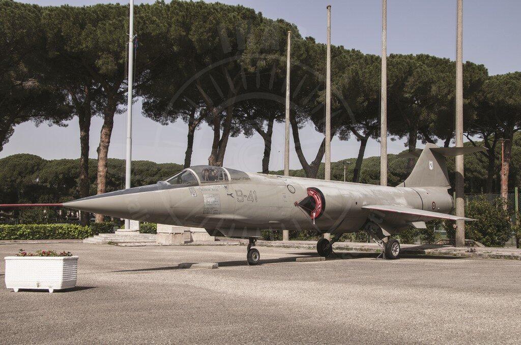 Alenia Lockheed F 104S ASA/M MM 6717 a Caserta presso la SSAM