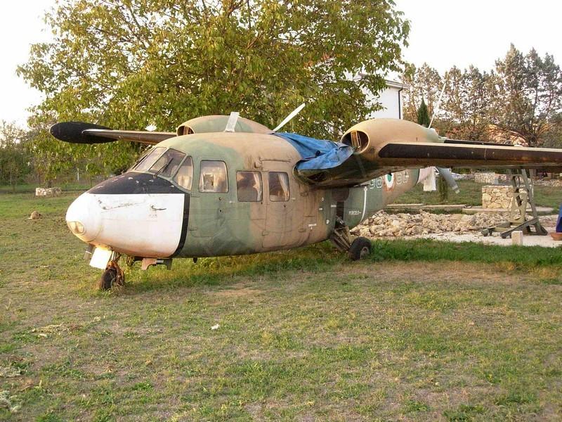 Piaggio P 166M con MM 61921 a Ceprano (FR)