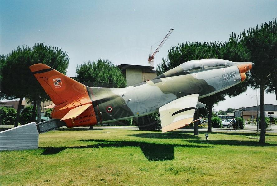 Aeritalia G 91T/1