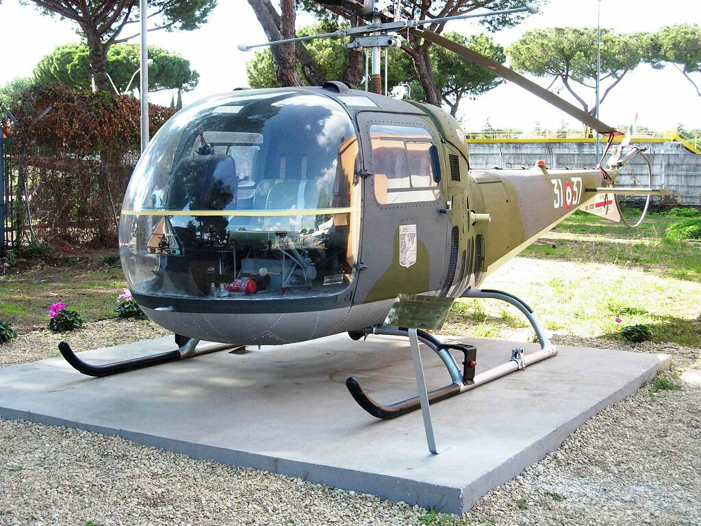 Agusta Bell AB 47J MM 80137: l'elicottero ha terminato la carriera operativa con  la 653^ Sq.Coll. di Cameri