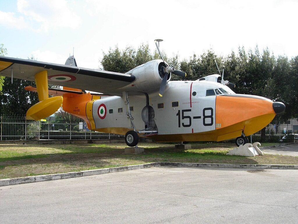 Tra i primi Albatross radiati, la MM 51-035 faceva parte del gruppo di 6 HU-16A acquistati nel 1966 dai surplus dell'USAF.