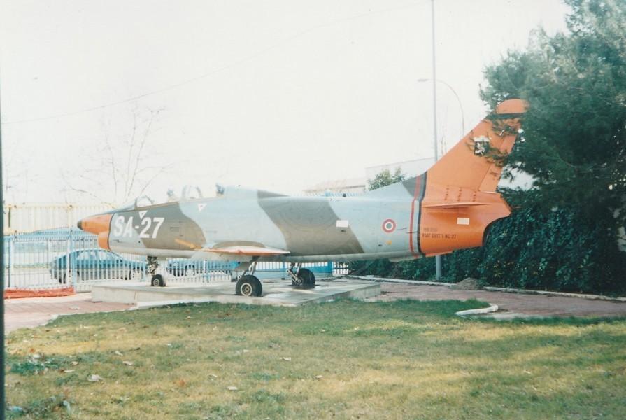 FIAT G 91T/1 MM 6327 esposto a Foggia