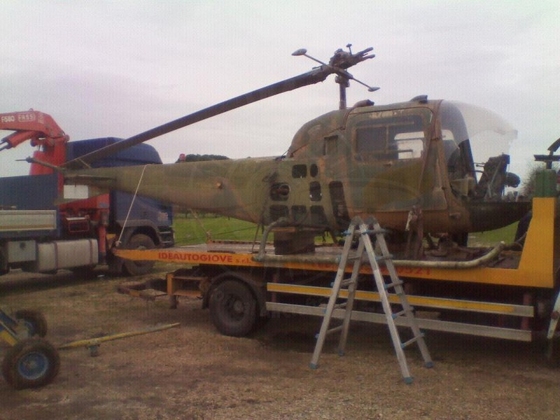 Agusta Bell AB 47J MM in restauro a Velletri 80170