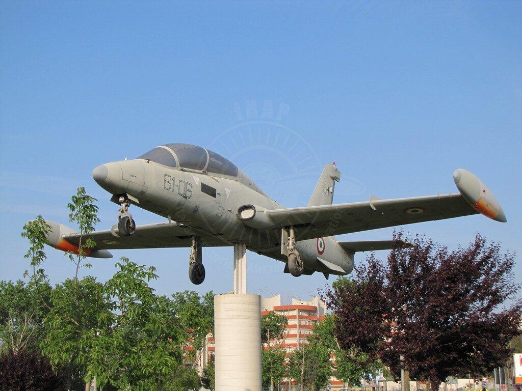 Aermacchi MB 339A MM 54454 a Lecce