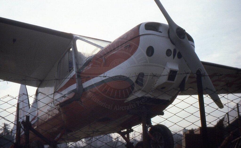 Macchi MB 308 esposto nel piazzale dell'Aeroporto della Ceramica a Roma