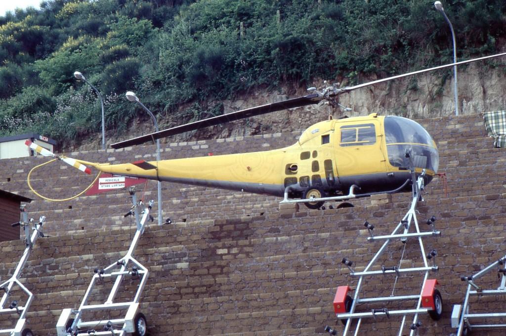 Agusta Bell AB 47J presso un concessionario a Roma