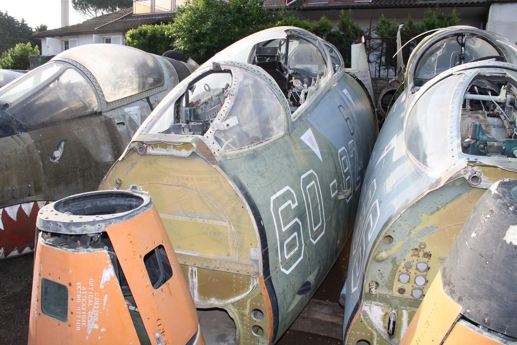 FIAT G 91T/1 MM 6432 dal demolitore Bentivoglio in precedenza all'Istituto De Pinedo di Roma