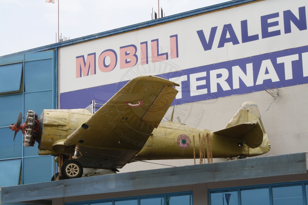 North American T6-H4M Texan ad Atina