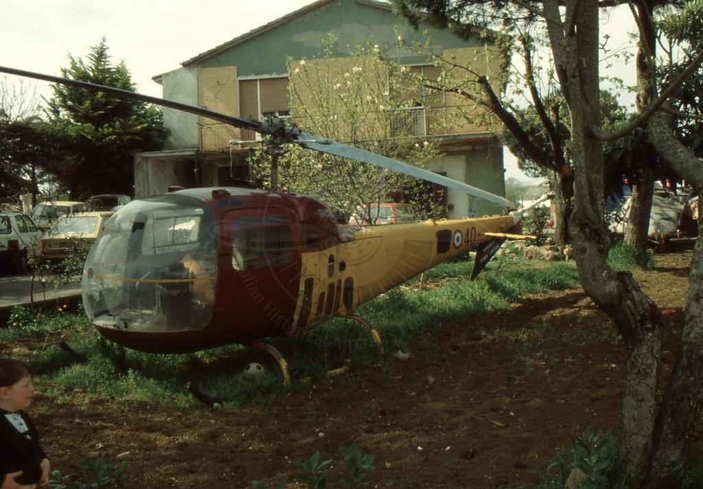 Agusta Bell AB 47J-3 MM 80414: conservato negli anni 90 nelle campagne di Lariano presso un privato . Non abbiamo conferma della sua attuale presenza.
