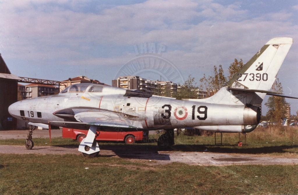Republic RF 84F un tempo a Bresso e oggi esposto a Cameri