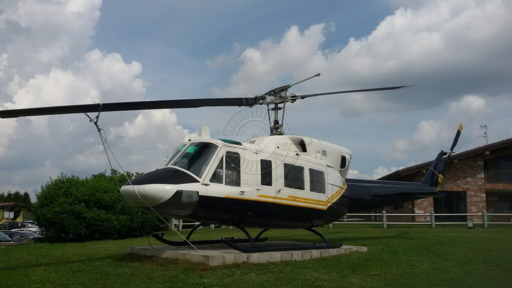Agusta Bell AB 212 ex Esercito Italiano a Cassano Magnago