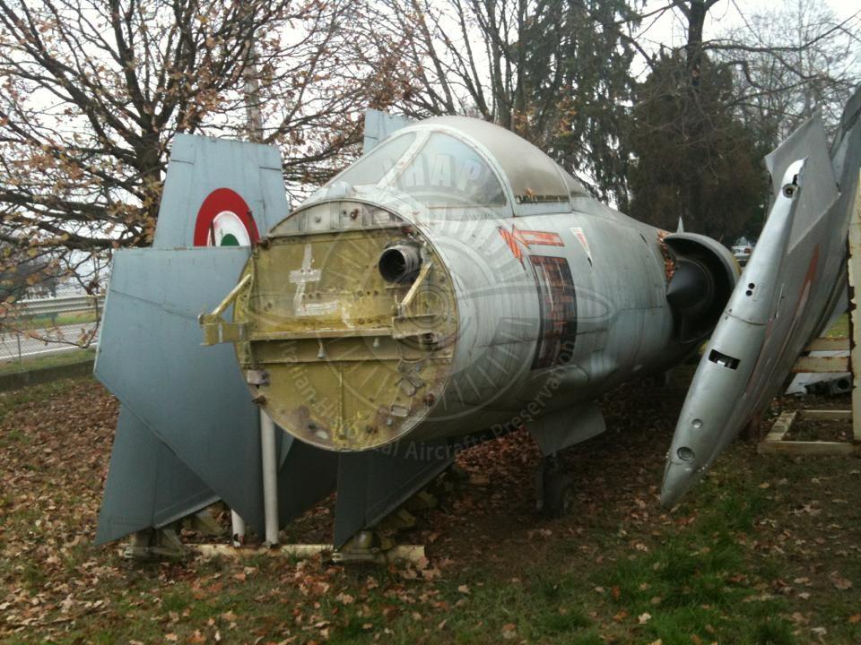 Lockheed FIAT F 104G una volta a Fontana di Rubiera
