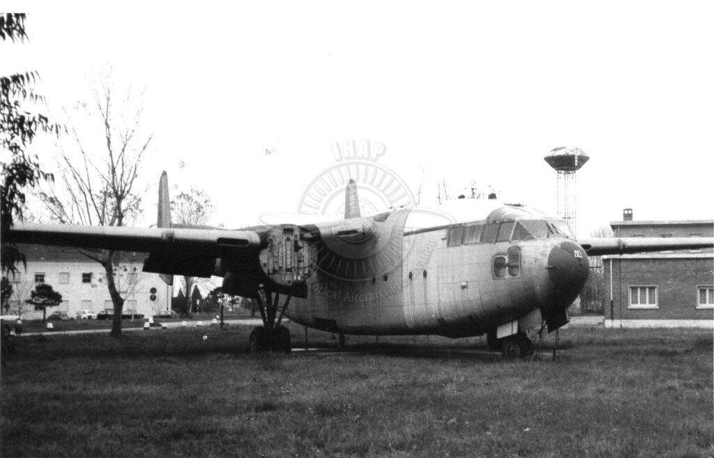Fairchild C 119J a Pisa San Giusto per l'addestramento degli equipaggi.
