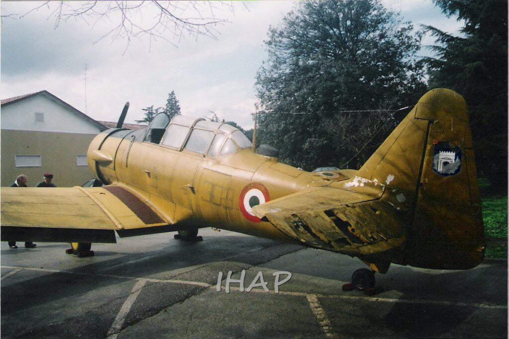 North American (CCF) T 6H-4M a Rimini presso il Villaggio Azzurro